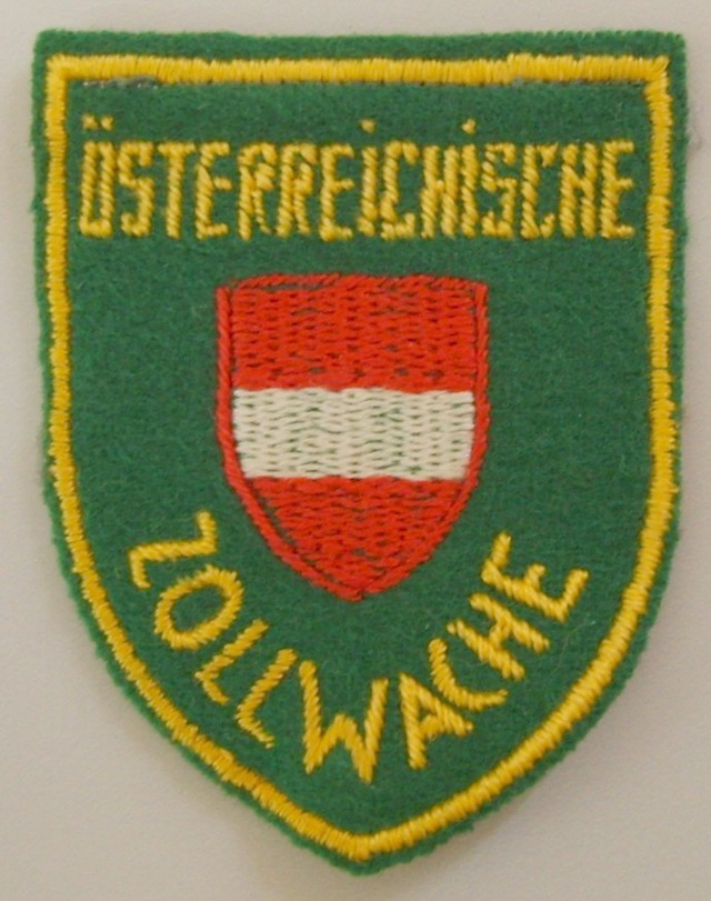 AT_005_Shoulder_Patch_worn_to_1996_small_Type