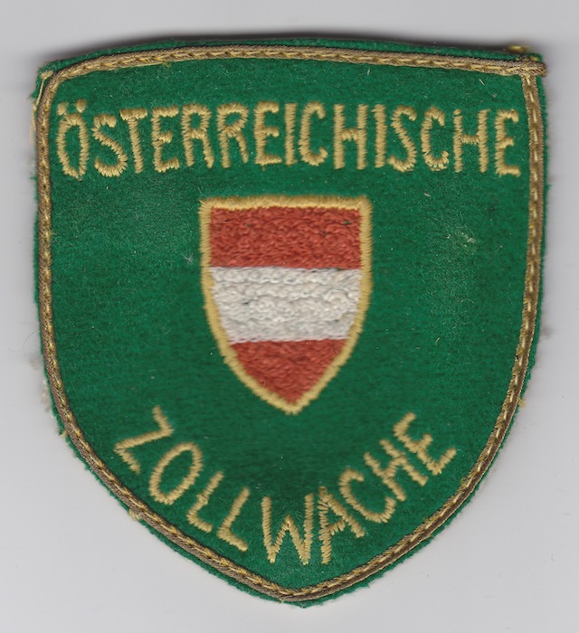 AT_006_Shoulder_Patch_worn_to_1996_very_old