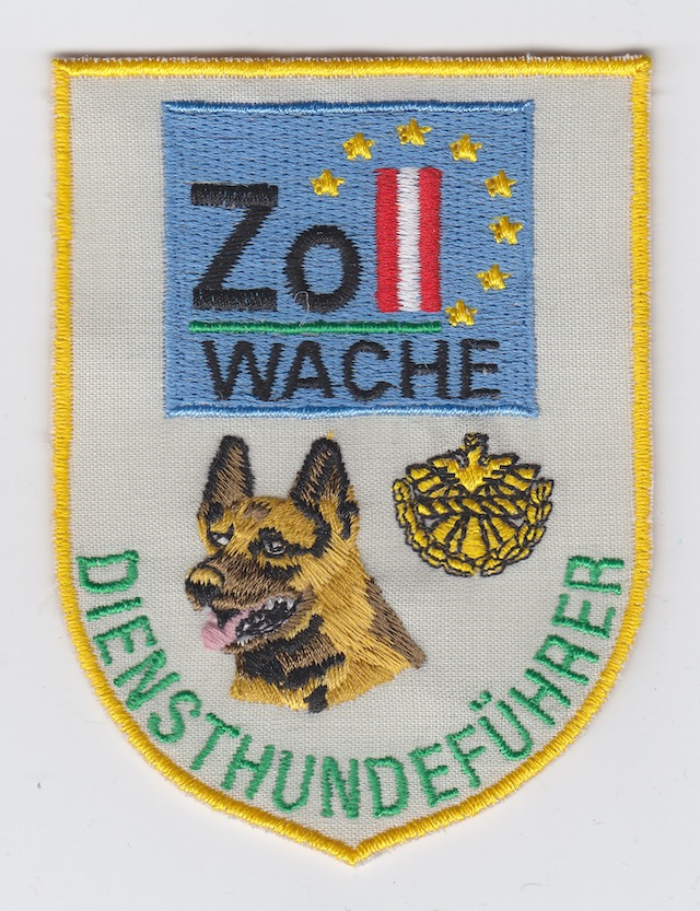AT 011 Dog Handler worn from 1998-2000