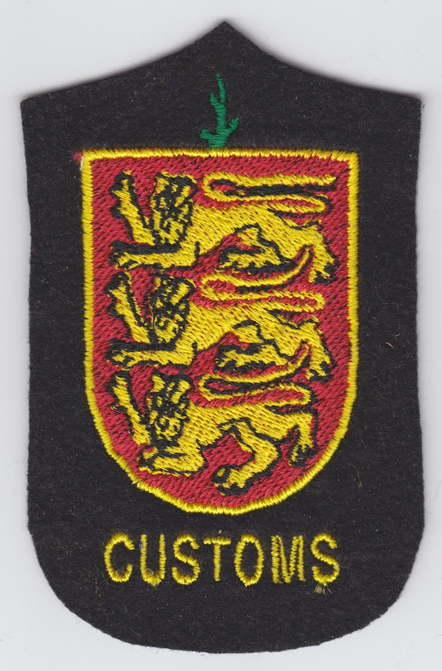 UK_010_Guernsey_Customs_Shoulder_Patch